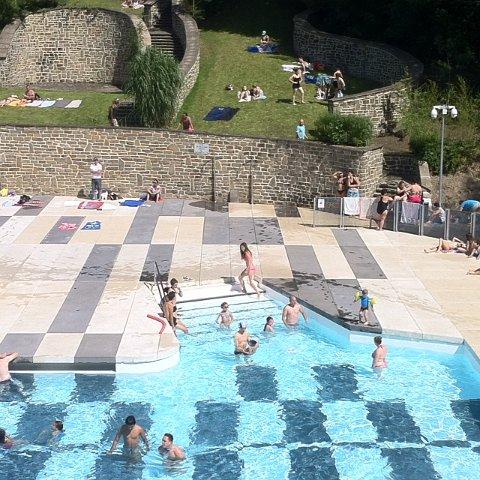 R ouverture de la piscine de loverval juillet 2014 for Cheb hichem 2015 la piscine